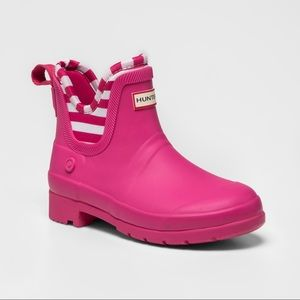 Hunter x Target pink Chelsea boots youth size 5